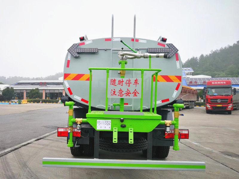 国六东风D9大多利卡15方洒水车雾炮车免交购置水可上京牌图片