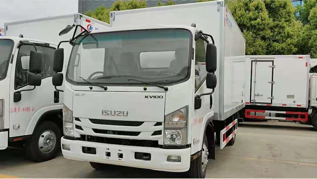 五十铃KV100厢长4.2米冷藏车