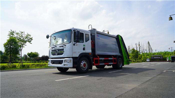 东风D9  12方压缩垃圾车多少钱一台图片